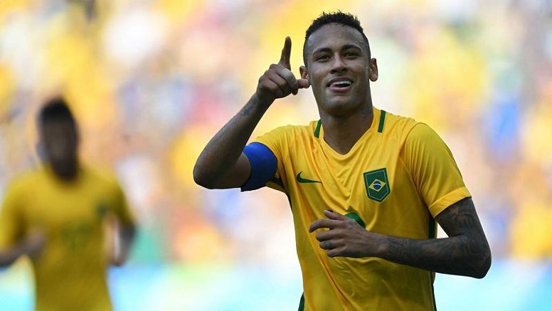Entrena Neymar con la Selección de Brasil