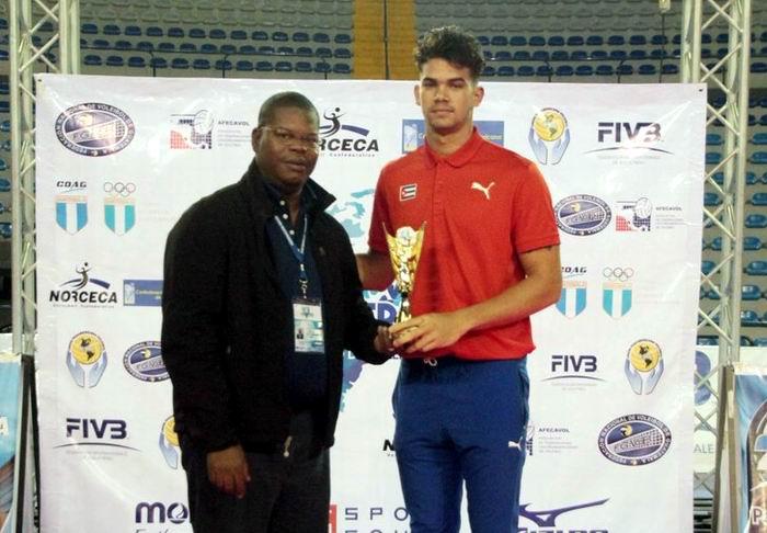Seleccionado Roamy Alonso JMV de la Copa Panamericana de voleibol