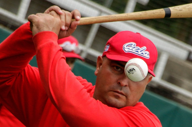 http://www.radiorebelde.cu/images/images/deportes/deportes2/roger-machado-foto-abel-ballobre.jpg