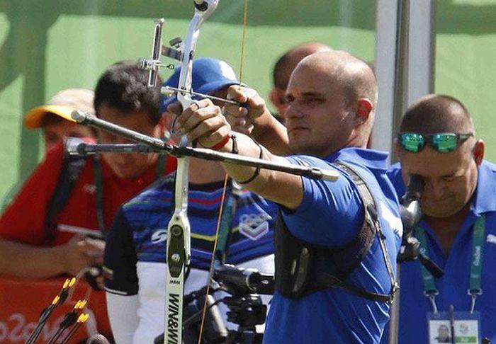 Imponen récords tiradores con arco cubanos en panamericano de Medellín