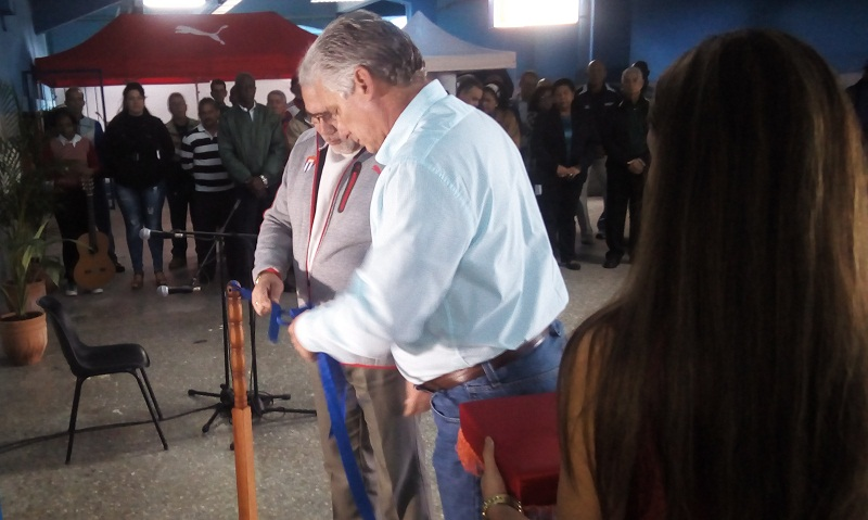 First Vice Cuban President Inaugurates Gym at Latin American Stadium