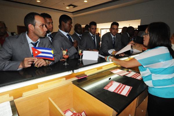 Equipo de Villa Clara llega para participar en la Serie del Caribe Margarita 2014. Foto Avelino Rodríguez
