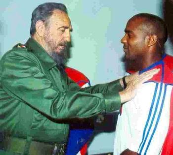 Fidel Castro y Eduardo Paret. Foto: José Antonio Fulguerias.