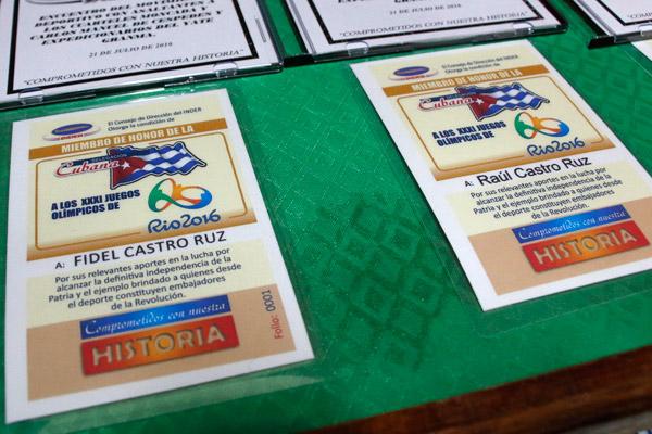 Declaran a Fidel y Raúl miembros de honor de delegación cubana a Río
