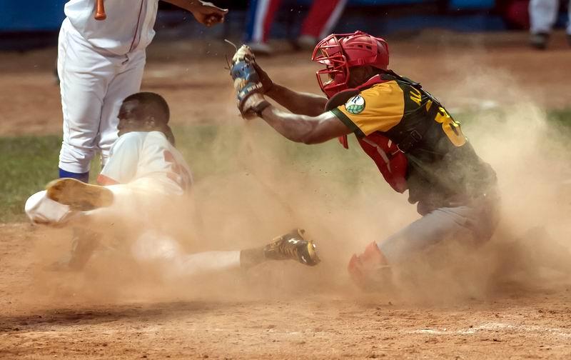 Yoelvis Fiss pega doblete de oro y Tigres pasan sobre Pinar. Foto: José Meriño