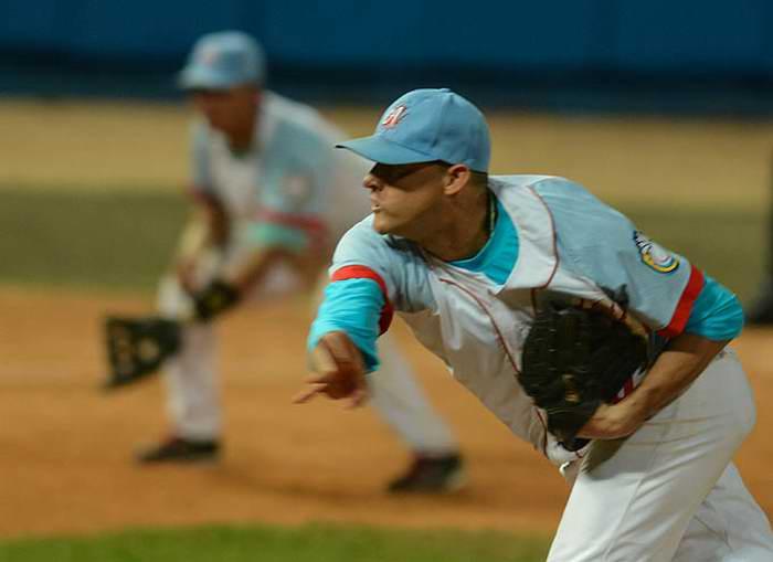 Anuncia Carlos Martí abridor del primer partido de la Serie del Caribe
