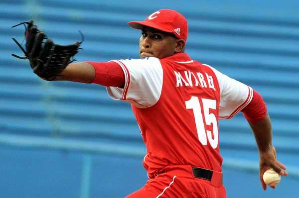 Negocian Tigres de Cartagena adquisici�n del pitcher Freddy Asiel