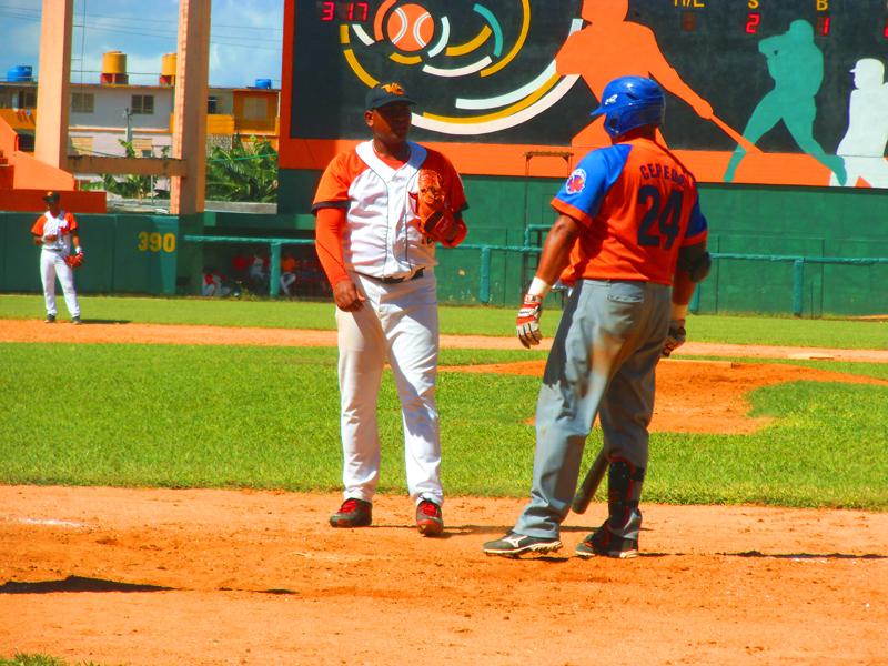 Freddy Asiel Álvarez aventajó a Frederich Cepeda con dos ponches en tres enfrentamientos durante sus seis capítulos lanzados. Fotos Yirsandy Rodríguez Hernández