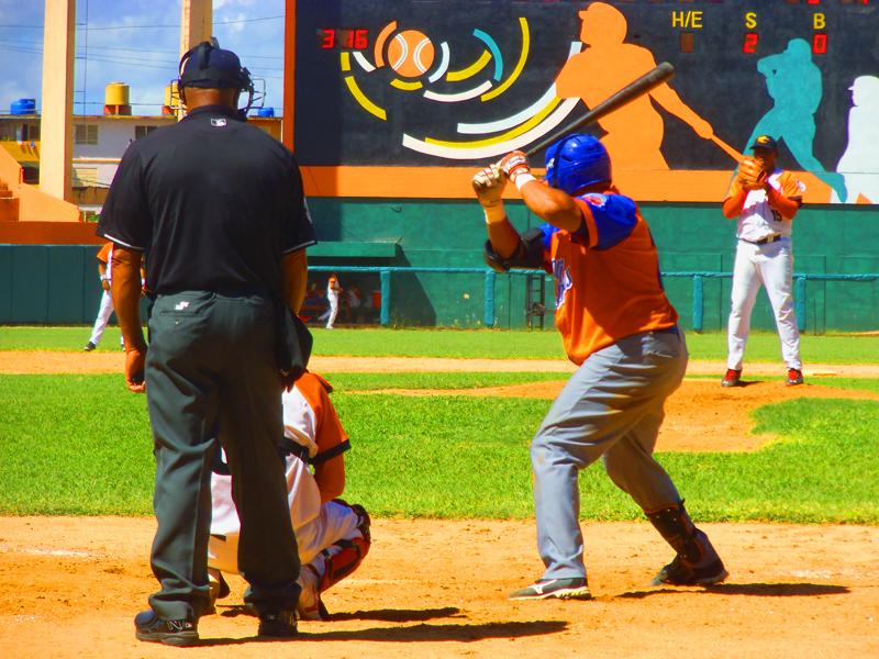 Freddy Asiel superó en el duelo a Cepeda y los Gallos. Fotos: Yirsandy Rodríguez Hernández