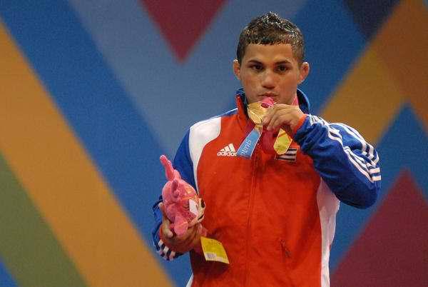 Gustavo Balart, primer ganador de la lucha grecorromana. Foto AIN