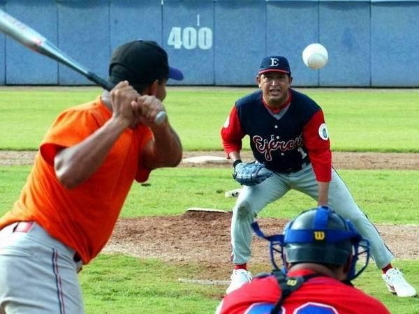 Hugo Ch�vez fue un gran amante y practicante del b�isbol.