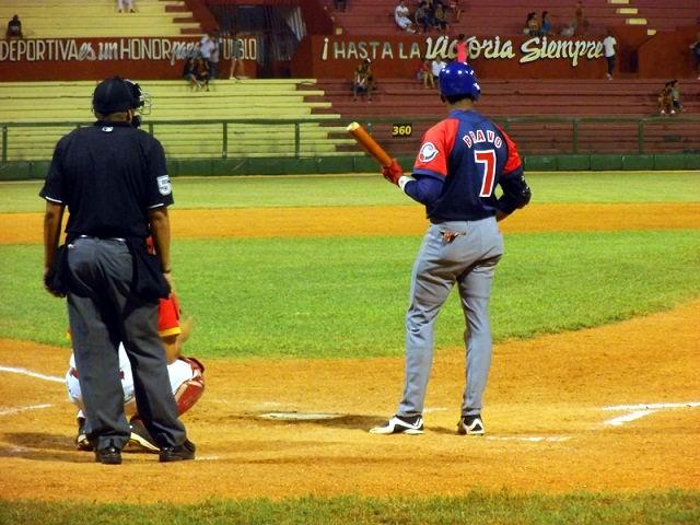 La ofensiva camagüeyana no ha podido descifrar los pitcheos del mejor cuerpo de abridores de la temporada: récord de 26-0. Foto: Yirsandy Rodríguez Hernández