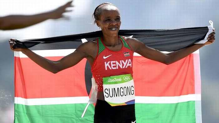 La keniata Jemima Jelagat Sumgong se agenció esta mañana la presea de oro en la competencia de maratón de los Juegos Olímpicos de Río de Janeiro