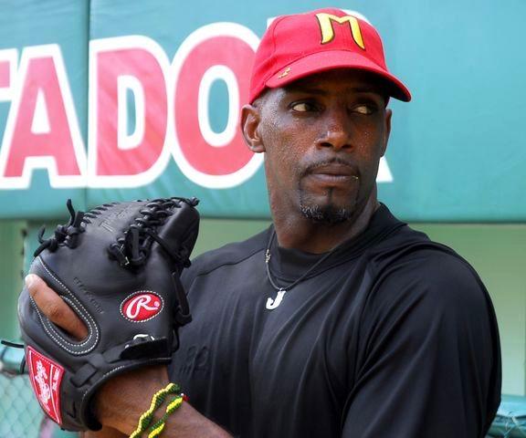 Jonder Martínez máximo ganador en la 54 Serie Nacional de Béisbol