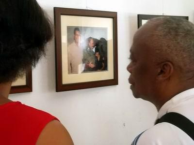 El también Campeón Olímpico Jorge Hernandez en la Expo junto a famililiares del gran campeón. Foto: Olivares Chávez.