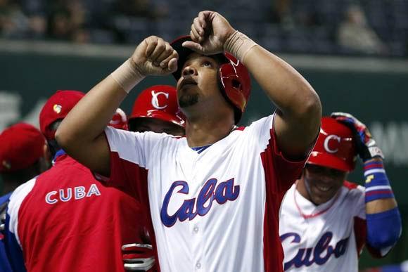 El jonrón con bases llenas de José Dariel Abreu fue descomunal. Foto: Yahoo