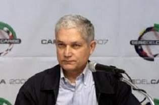 Llega hoy a Cuba el presidente de la Confederación de Béisbol del Caribe, el señor Juan Francisco Puello Herrera
