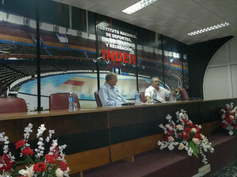Juantorena: El atletismo cubano merece una pista de categor�a (+Audio)
