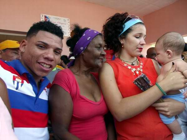 La familia del boxeador espirituano, Yosvany Veitía. Foto: Miozotis Fabelo Pinares