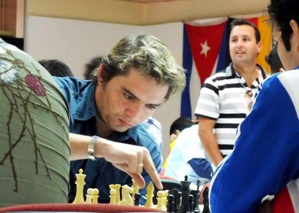 El Gran Maestro Lázaro Bruzón, segundo hombre de Cuba en el ajedrez. Foto Abel Rojas.