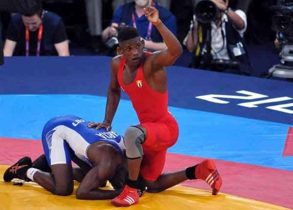 Asegura la lucha cubana presencia de equipos completos en Toronto 2015