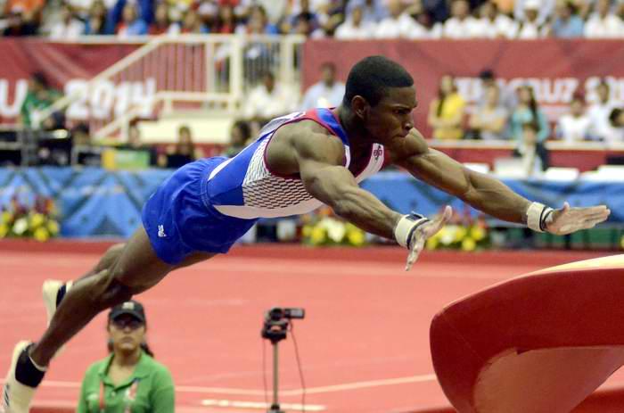 Toronto-2015: Manrique Larduet gana oro en caballo de salto de gimnasia. Foto: Ricardo López Hevia