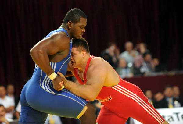 Luchador cubano Mijaín López irá por el oro en Río-2016