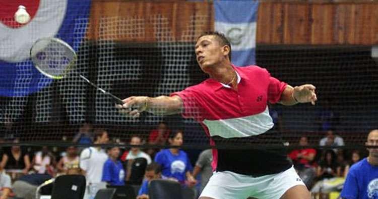 Three Cubans in badminton tournament semifinals