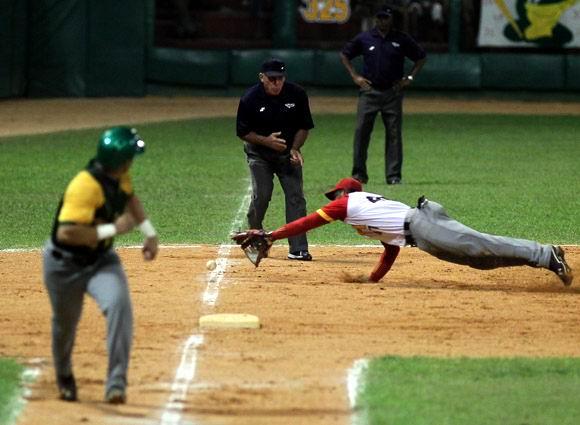 Juego Final de la 53 Serie Nacional de Béisbol. Pinar del Río Campeón. Foto: Ismael Francisco