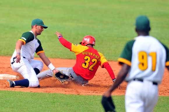 Se reanudará este domingo la temporada beisbolera cubana. Foto Ricardo López Hevia