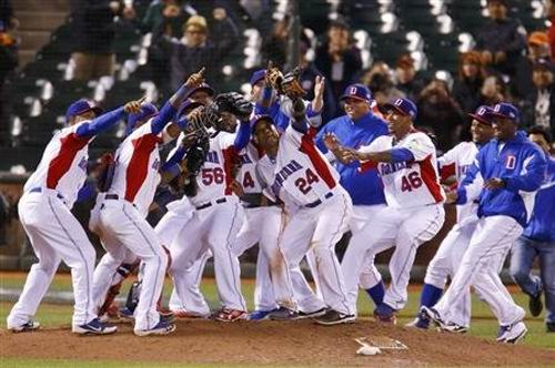 República Dominicana festeja su victoria en el III Clásico Mundial de béisbol. Foto: Reuters