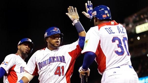 Los dominicanos fabricaron cuatro carreras ante el pitcheo holandés en la cuarta entrada.Foto: Getty Images