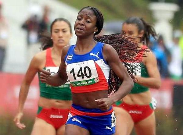Corredora Almanza, la mejor atleta de agosto en Camagüey