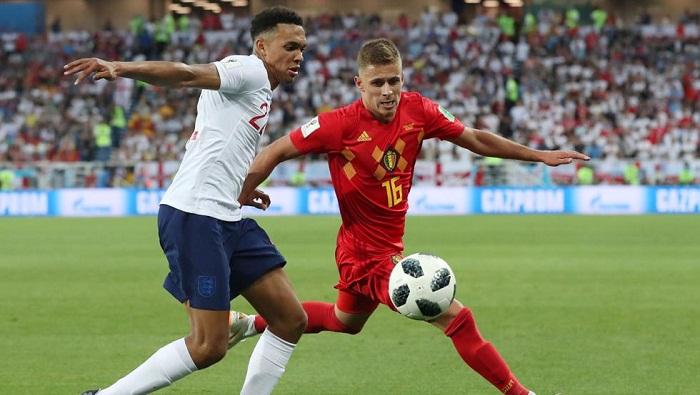 Por el grupo G, Bélgica venció 1-0 a Inglaterra