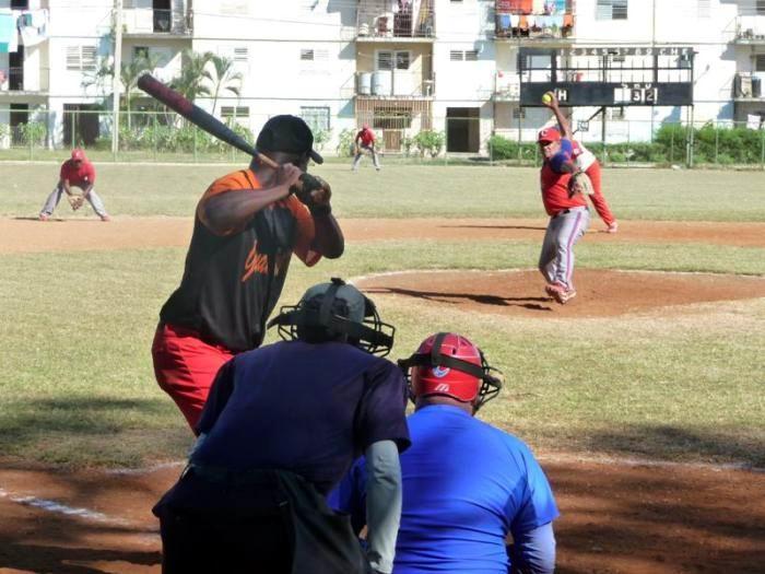 Nacional de softbol para hombres: Seis por un título. Foto: Jorge Luis Merencio