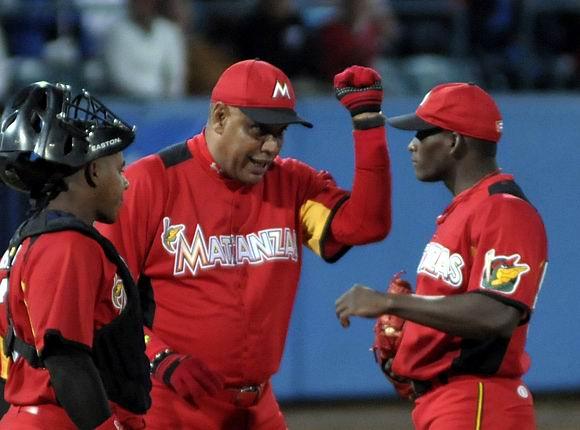 Los directores están obligados a realizar cambios de lanzadores. Foto: Ladyrene Pérez/Cubadebate.