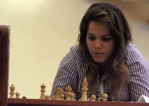 La matancera Yanira Vigoa Apecheche, séptima Gran Maestra que gradúa Cuba, al serle concedido por la FIDE tal distinción. Foto Abel Rojas.