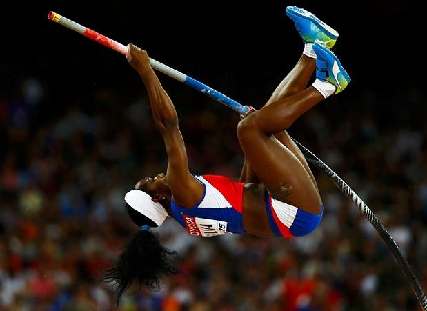 Yarisley salta 4.90 y gana oro en el Mundial de Atletismo (+Video)