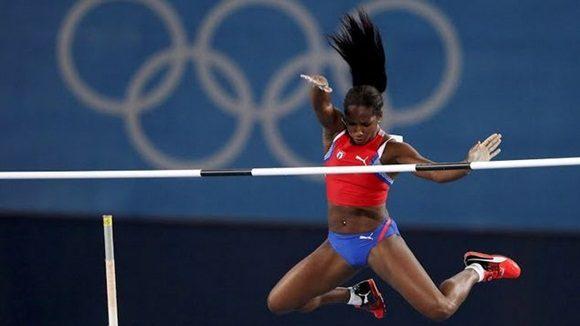 Termina séptima Yarisley Silva en la pértiga olímpica