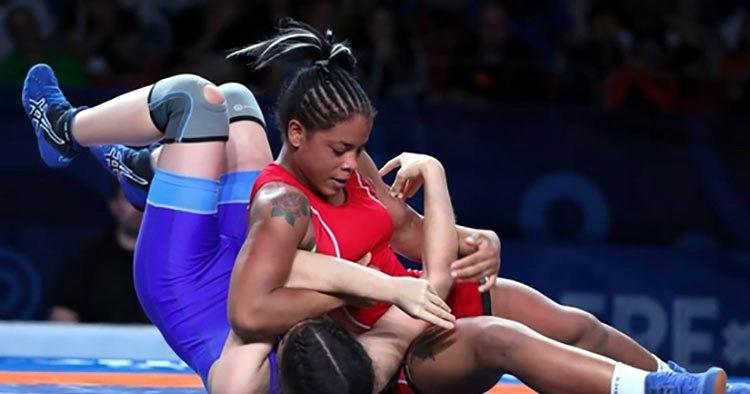 Yudaris Sánchez se convierte en la primera cubana medallista mundial en lucha