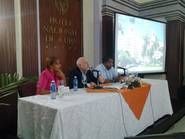 Intercambia Premio Nobel Joseph Stiglitz con economistas cubanos (+Audio)