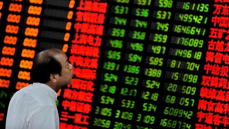 Viven bolsas chinas un virtual lunes negro, por ca�da de sus acciones