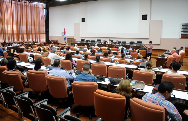 Concluye Encuentro sobre Economía Latinoamericana y caribeña