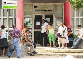 ¿Quién es el último? , hacer colas en Cuba