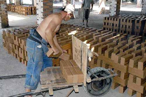 Constituidas en Matanzas las primeras dos cooperativas no agropecuarias