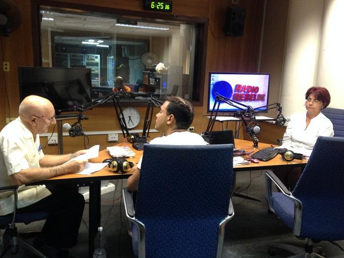 Desde la radio: un homenaje a la labor del trabajador bancario (+Audios)