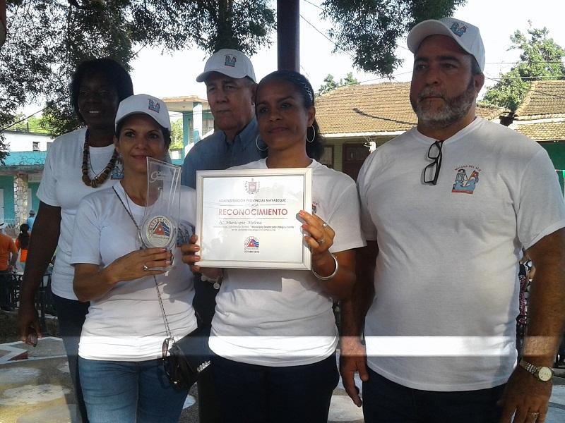 En Audio: Condecoran a Melena del Sur