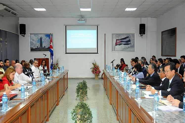 Cuba muestra satisfacción por vínculos comerciales con Japón
