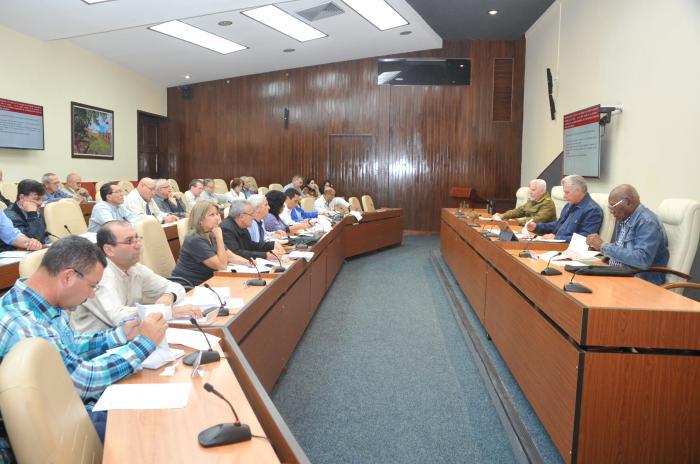 Es necesario fortalecer la industria ligera cubana