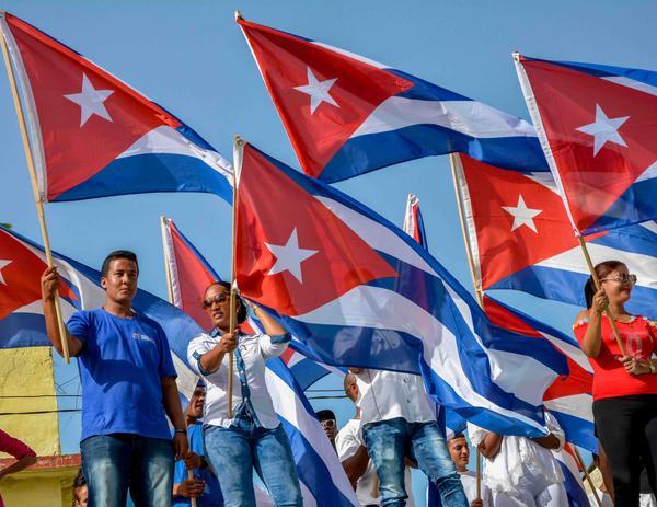Los tuneros cumplen la economía en saludo al 26 de julio